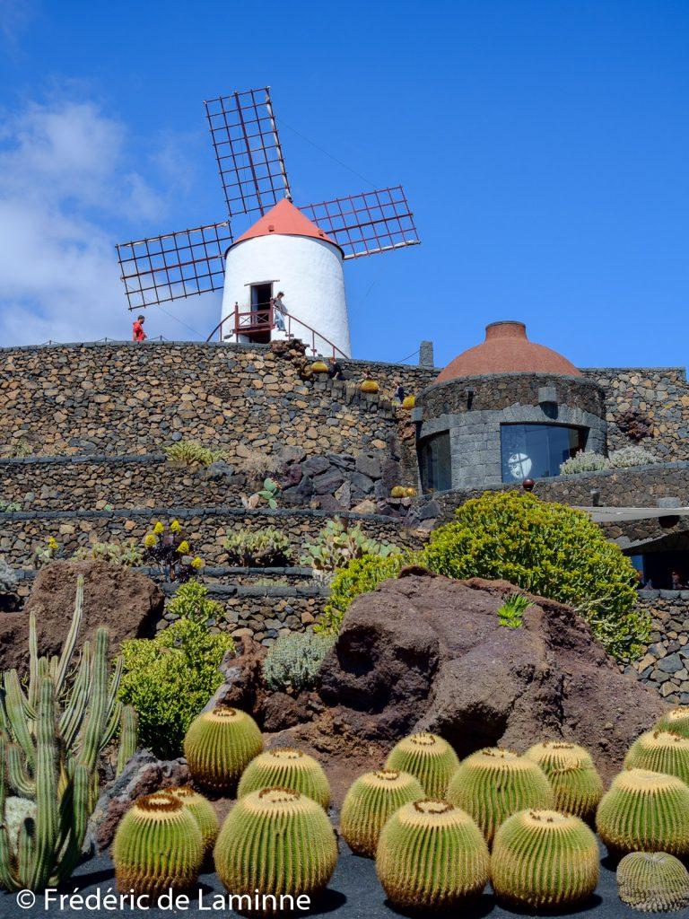 Le moulin à vent du Jardin de Cactus est l'un des derniers de l'île