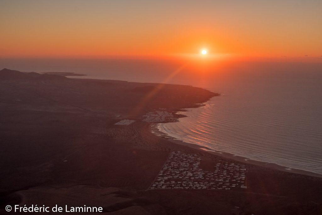 Coucher de soleil sur Famara vu depuis l'ermita de Las Nieves, Lanzarote