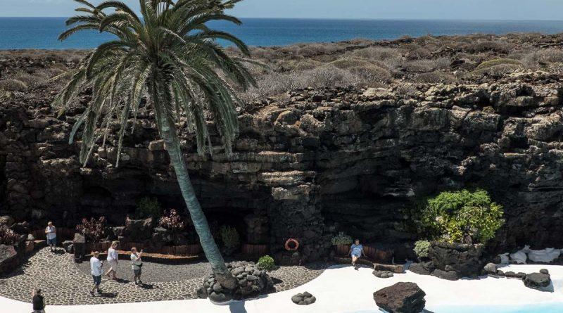 La piscine du Roi aux Jameos del Agua (Haria) sur l'île de Lanzarote, Canaries