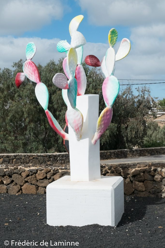 Totem du Centre d'interprétation de la Cochenille (Mala) sur l'île de Lanzarote, Canaries le 14/11/2019. Photo : Frédéric de Laminne