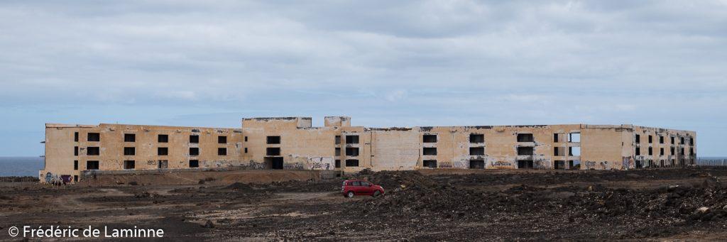 Hôtel abandonné Atlante del Sol près de Playa Blanca, Lanzarote