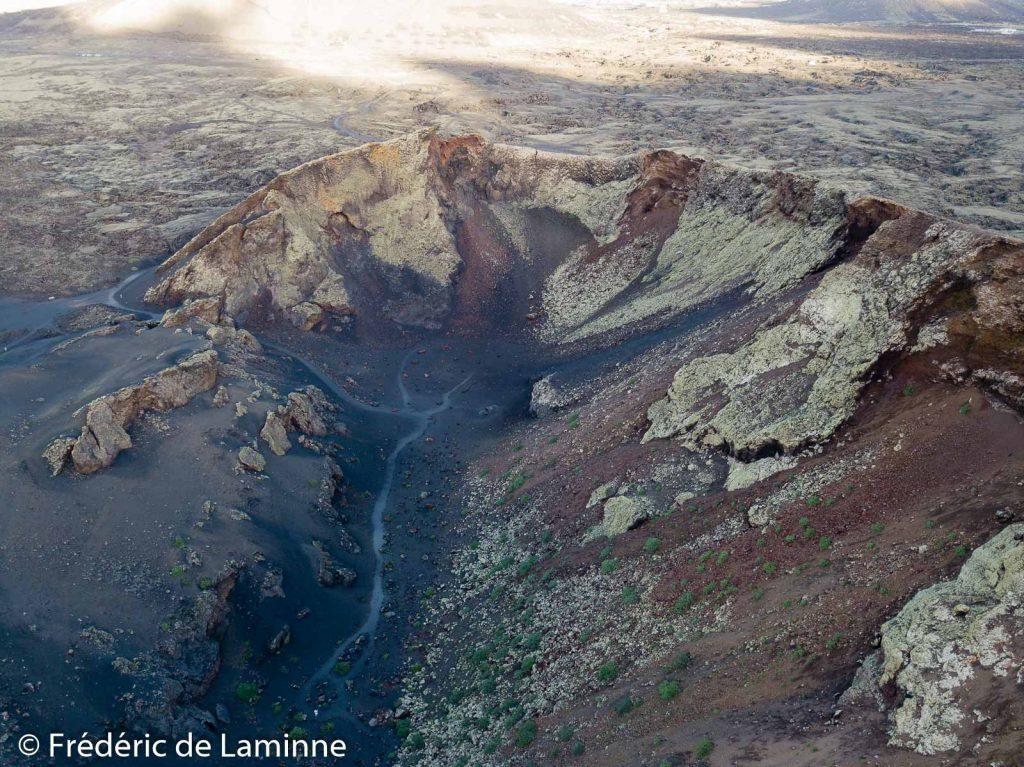 Vue aérienne du cratère du volcan El Cuervo
