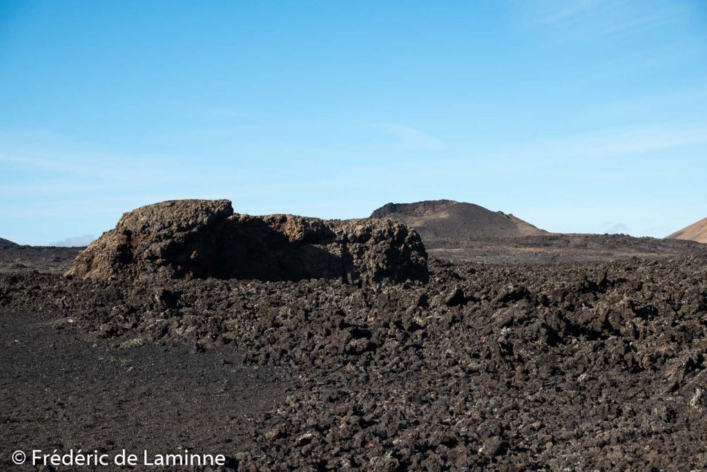 Fragment du cratère de la montanta Cuervo. El Cuervo est un ancien volcan de Lanzarote dont l'un des flancs effondré permet de pénétrer dans le cratère. Lanzarote, Canaries le 06/02/2020. Photo : Frédéric de Laminne