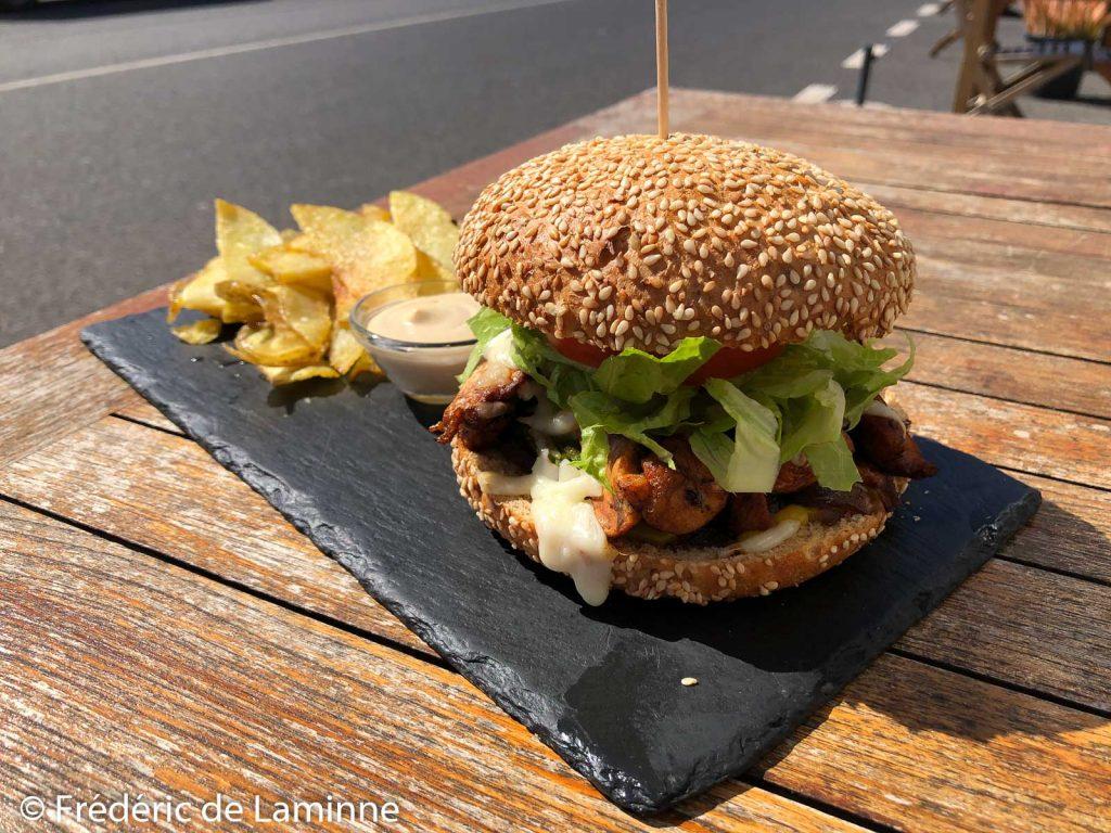Burger #1 au poulet du restaurant El Sibarita (Famara)