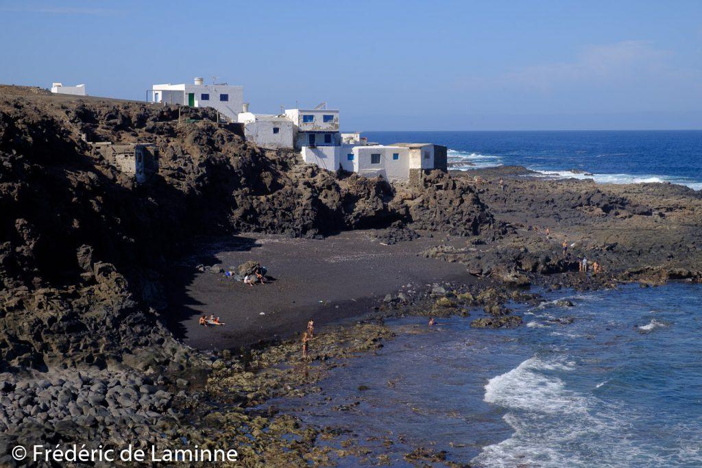 La plage près du village de Tenesar, novembre 2020